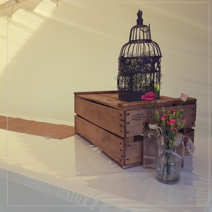 location cage a oiseau centre de table ou d co exterrieur eventweek. Black Bedroom Furniture Sets. Home Design Ideas