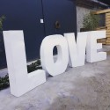 Location  photobooth LOVE lettres metalliques